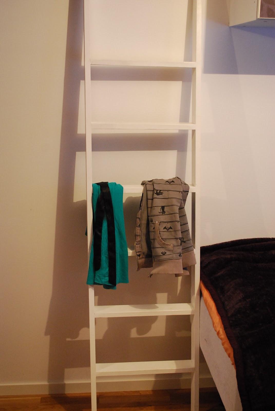Stege klädhängare sovrum