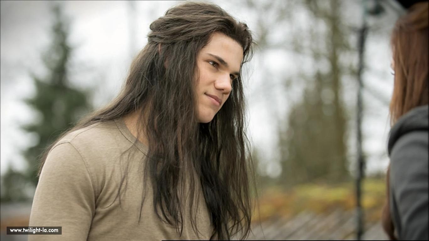 Jacob avec les cheveux long dans new moon