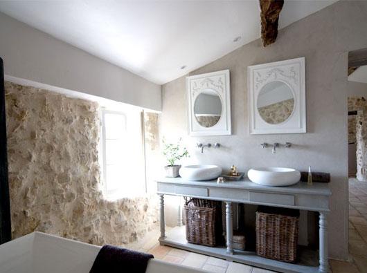 Interioare rustice jurnal de design interior - Bagno shabby chic moderno ...
