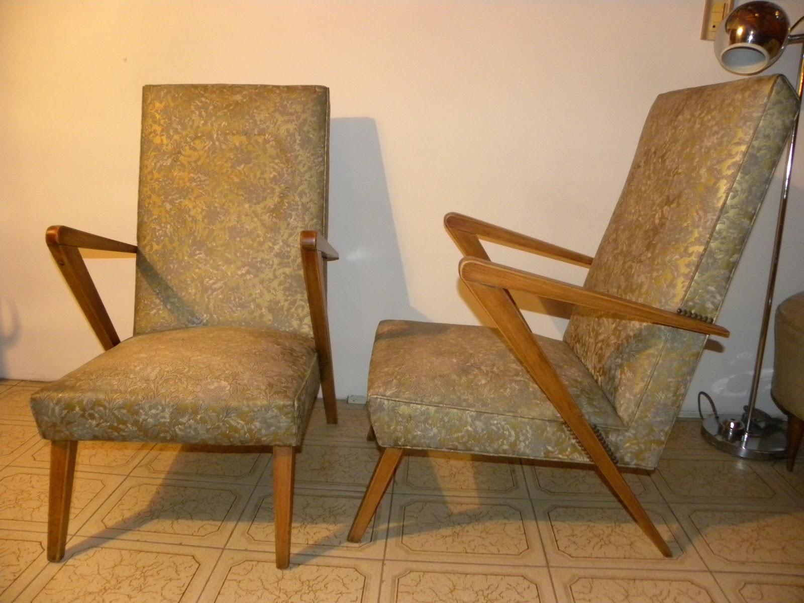 Deco Retro Vintage Par de sillones americanos cuerina labrada