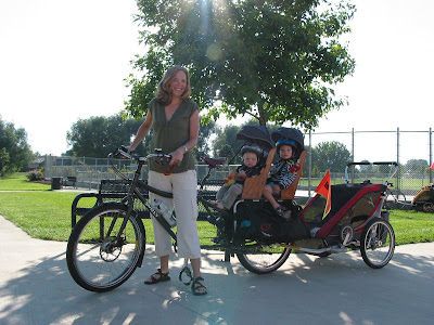 mother twins bike bicycle trailer