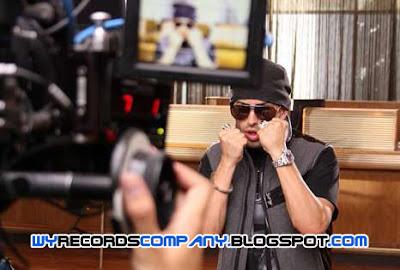 Wisin y Yandel prueban su talento en vídeo como ladrones
