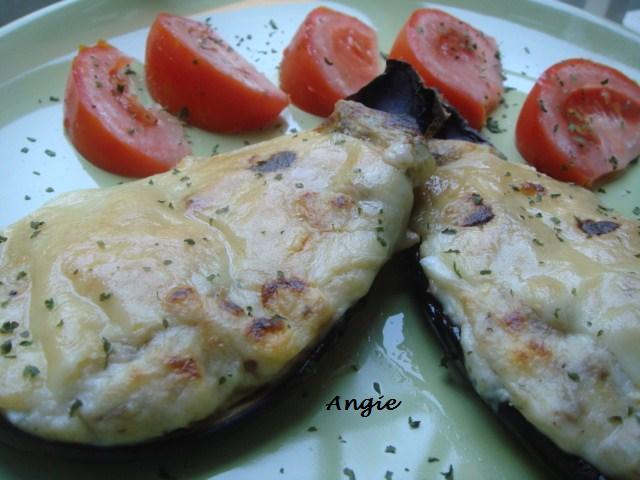 La cocina de angie berenjenas rellenas de at n for Cocina berenjenas rellenas
