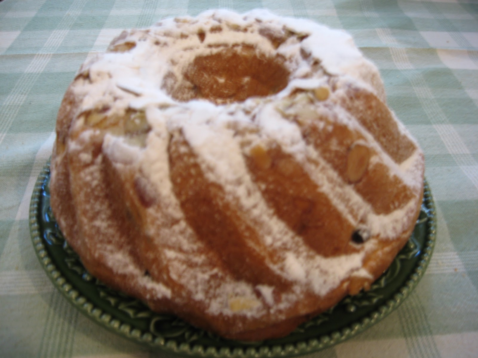Tangerine Travels: Gugelhupf: German Sweet Holiday Bread