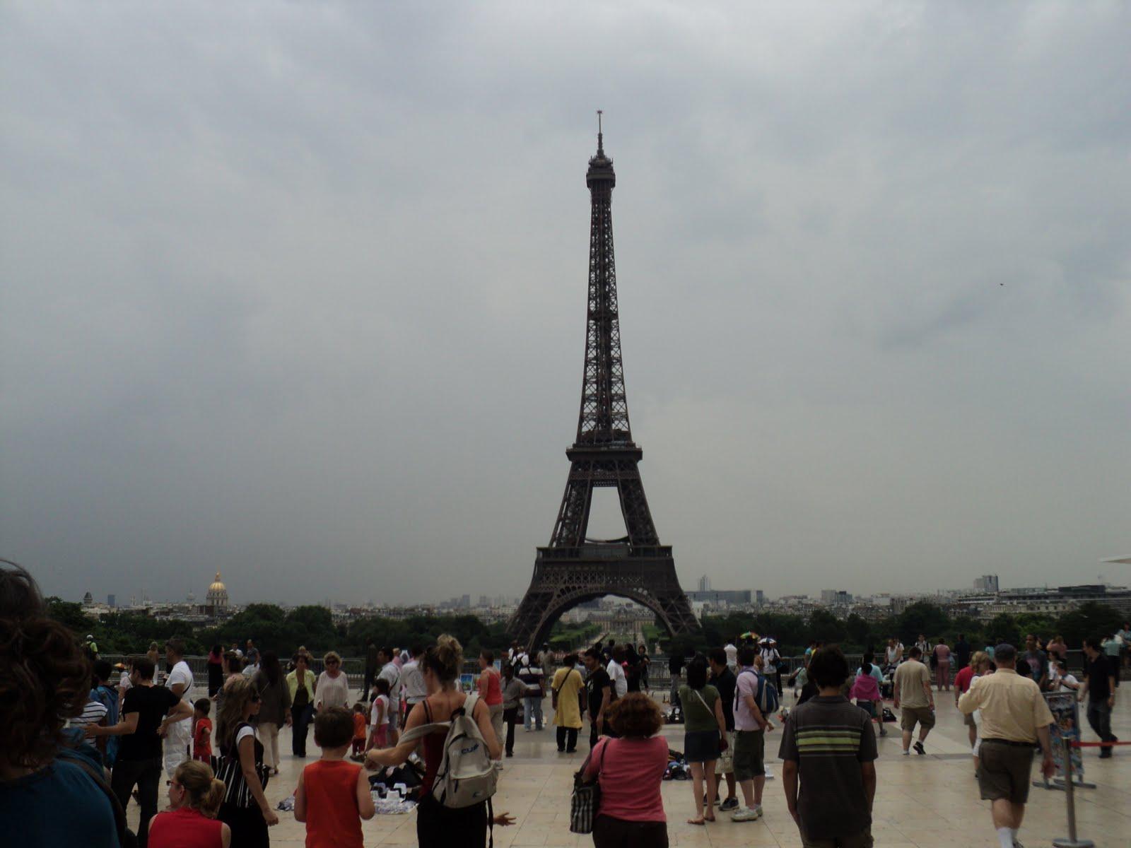 http://2.bp.blogspot.com/_ig-ht77Epw8/TDuJi84xxmI/AAAAAAAAAKo/IjY_F-MY2u8/s1600/Tour+Eiffel.JPG
