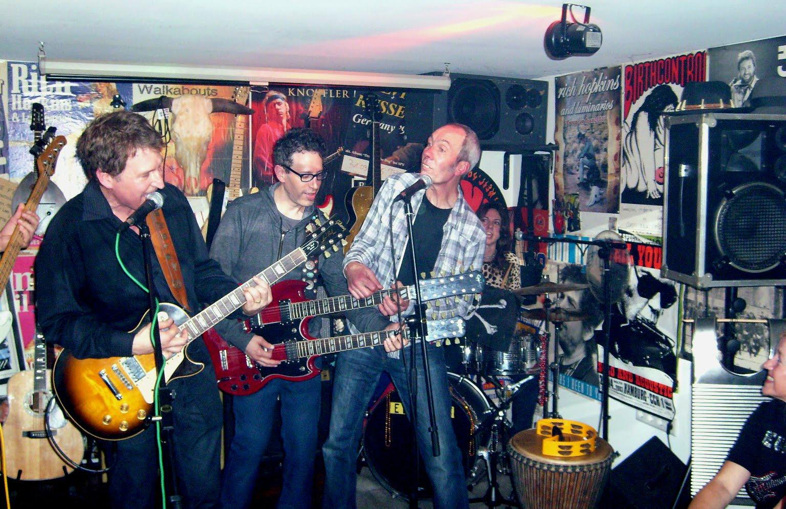 guitars Edenless Action: Steve Wynn & The Miracle 4 Ausnahmsweise am Sonntag lud ...