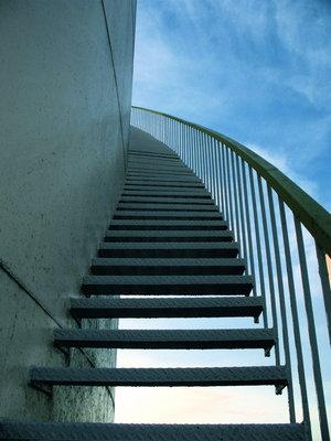 http://2.bp.blogspot.com/_igHX0xtFy64/S_oyP65G6EI/AAAAAAAAAC0/pU1E9QZ2Q50/s1600/Motivation_stairs.jpg