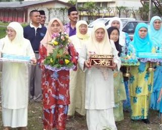 Wedding Gift For Bride Malaysia : Malaysian Wedding