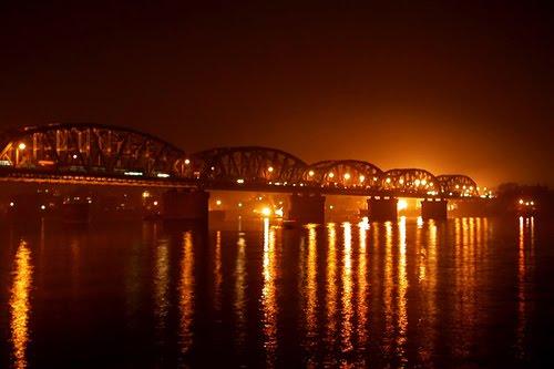 http://2.bp.blogspot.com/_ihu7BWIJinM/SqzTtkyRn8I/AAAAAAAAAP4/B-lG9ZIOVbM/s400/bally_bridge_2.jpg