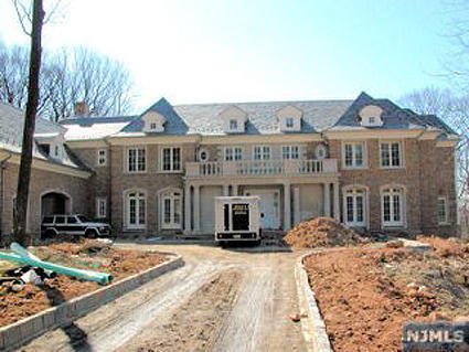 C c sabathia buys alpine mansion homes of the rich for Alpine nj celebrity homes