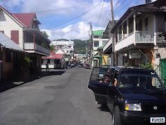 DOMINICA 6. Calle principal de Roseau