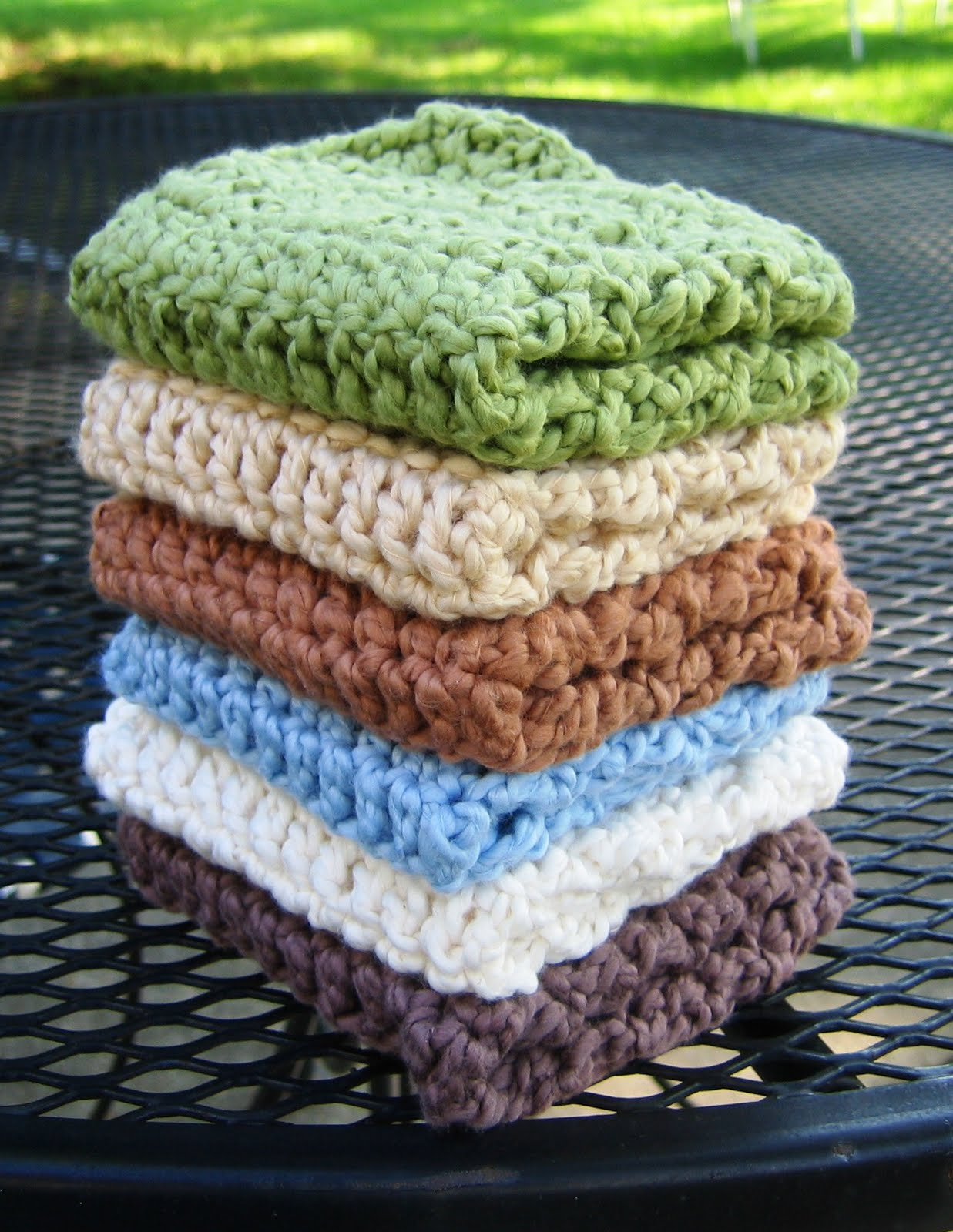 Handmade By Annabelle: 7 Easy Steps to Make a Crochet Washcloth ...
