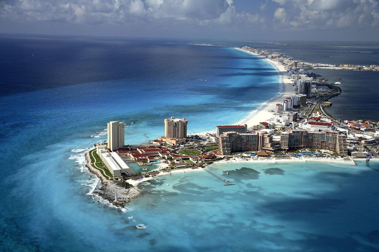 http://2.bp.blogspot.com/_inc2wkvHoAw/SxLtOoSvFgI/AAAAAAAAAEU/AFuxmWwQGwc/s1600/cancun_aerial-big.jpg