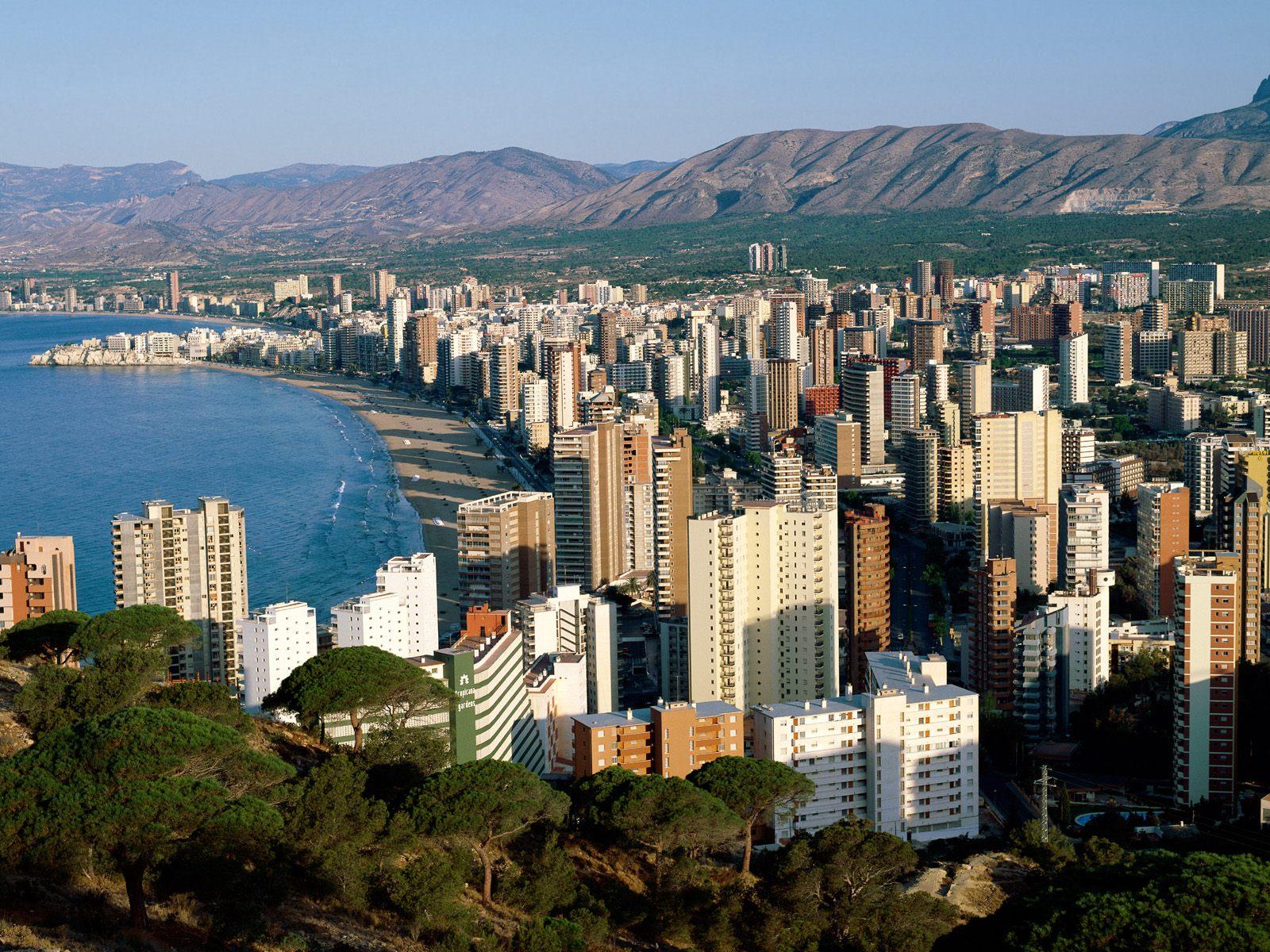 http://2.bp.blogspot.com/_ioD6UOQqcyA/Sw_ucB0Y1wI/AAAAAAAABnQ/aD1gcUx_NNo/s1600/Benidorm,+Costa+Blanca,+Spain.jpg