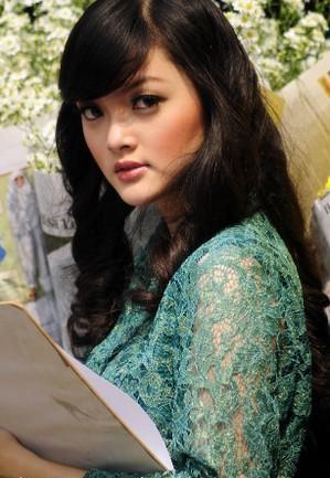koleksi cewek gadis perawan cantik terbaru 2010 03