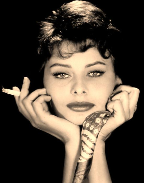 love-those-classic-movies-in-pictures-sophia-loren