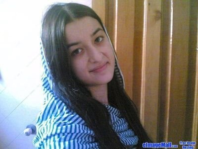beautiful pakistani girls original photo - www.P1Q.eu - Funny Pics