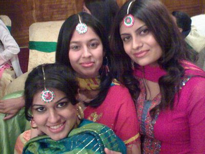 Pakistani Gilrs Smiling faces in Marriage