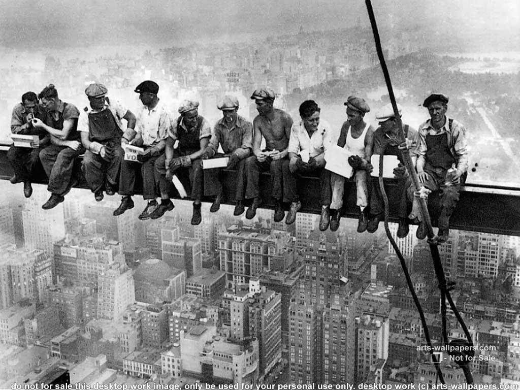 http://2.bp.blogspot.com/_ir6h9Q90O7g/TOP0mSPysCI/AAAAAAAAAac/34Z-XKY_bLI/s1600/Lunch+atop+a+Skyscraper%252C+1932.jpg