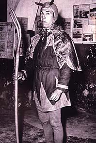 Enriquet de les Tireles, vestit de dimoni. Anys 50