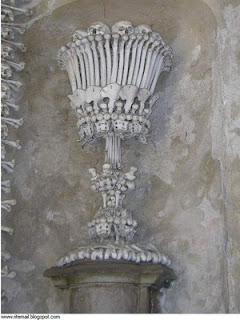 من جرائم الصليبين..كنيسة من عظام made by4.jpg