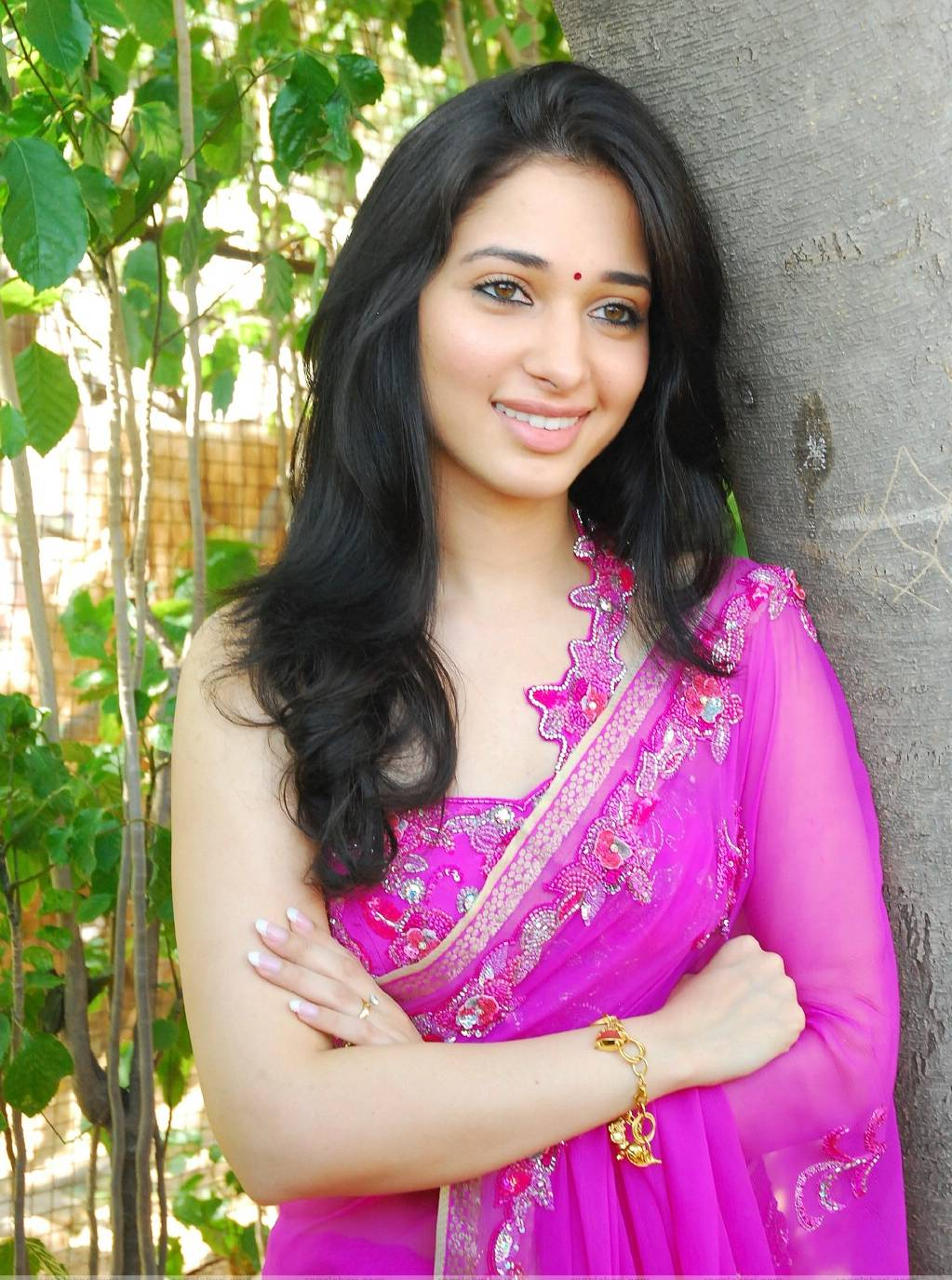 Cute Actress Tamannah in Pink Saree Photo gallery