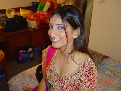 Tania is sexy and hot indian girl looking so hot with a boobs line
