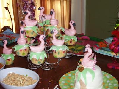 Flamingo Cake and Cupcakes Fondant'67 Nova Cake Fondant