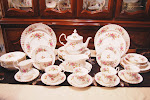 ROYAL ALBERT MOSS ROSE DINNERSET FOR SALE