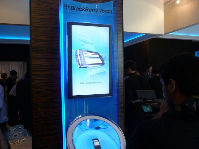 Photos: RIM and AT&amp;T BlackBerry Torch 9800 Event in NYC