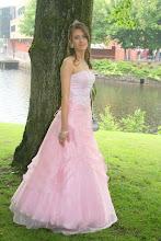 Marylin i sin fina balklänning