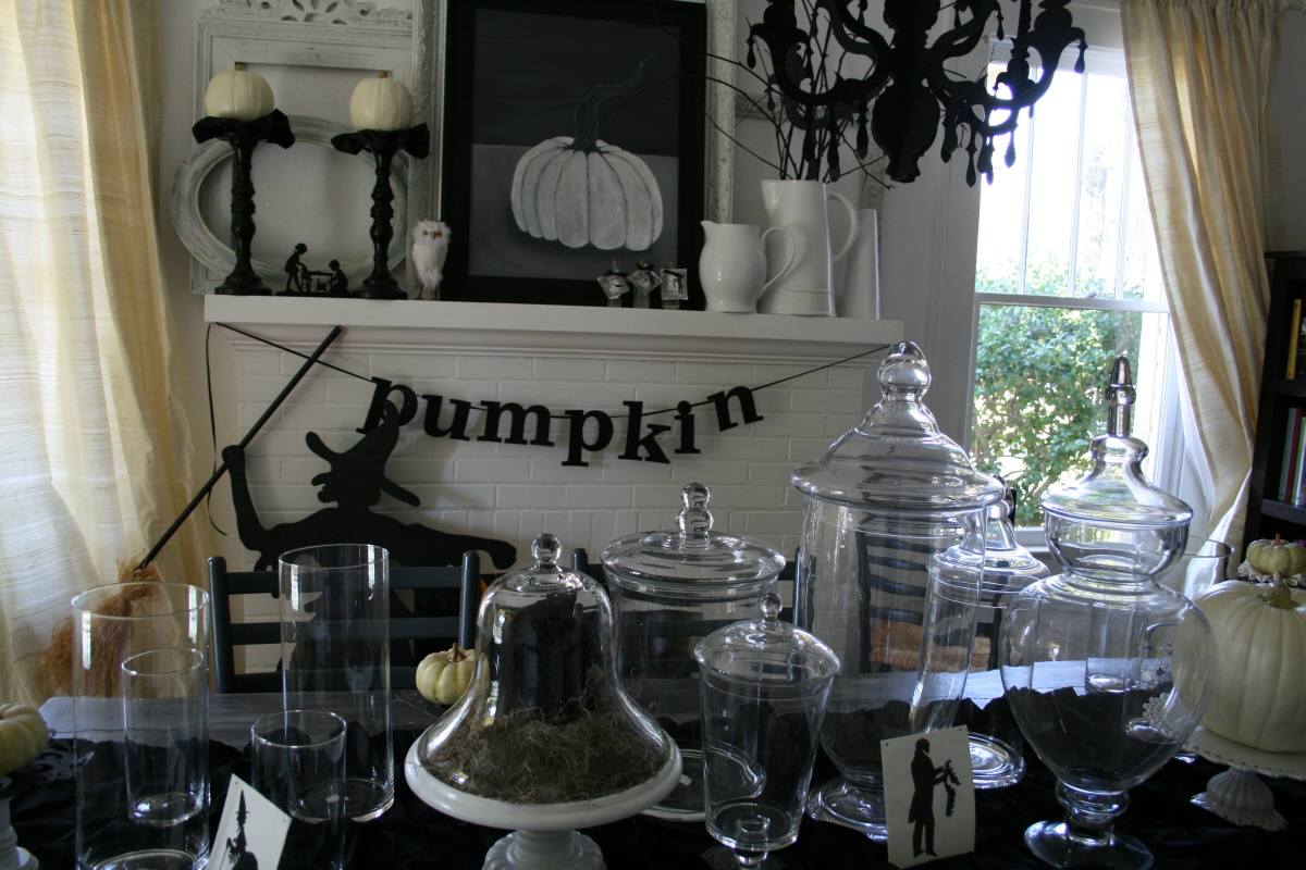 The simply sophisticated events blog wordless wednesday for Home halloween decorations