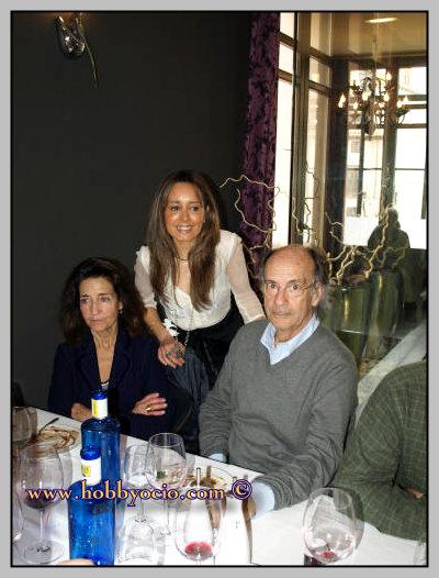 HOMENAJE AMBA Y RAQUEL MELLER. COMIDA EN SABOYA XXI. JUNTO A D. JULIO ELIZALDE BARRAQUER Y ESPOSA