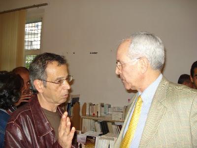 A droite, Lounès Ramdani, le 'papa' de DzLit, en compagnie de Djamel Mati, à gauche