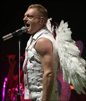 Erasure - The Erasure Show Tour 2005 - Live At Perston, Guildhall, 11th March 2005