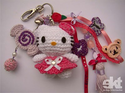 Amigurumi Crochet Keychain : Tiny kitty free pattern sayjai amigurumi crochet patterns k