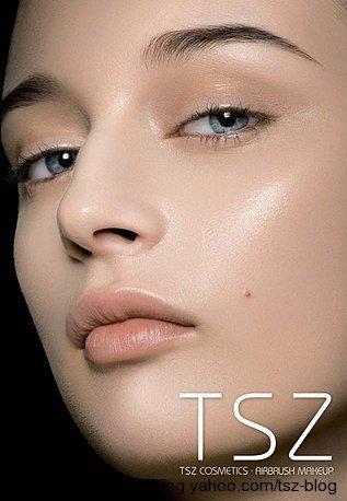 TSZ BY ROXANA FERRI