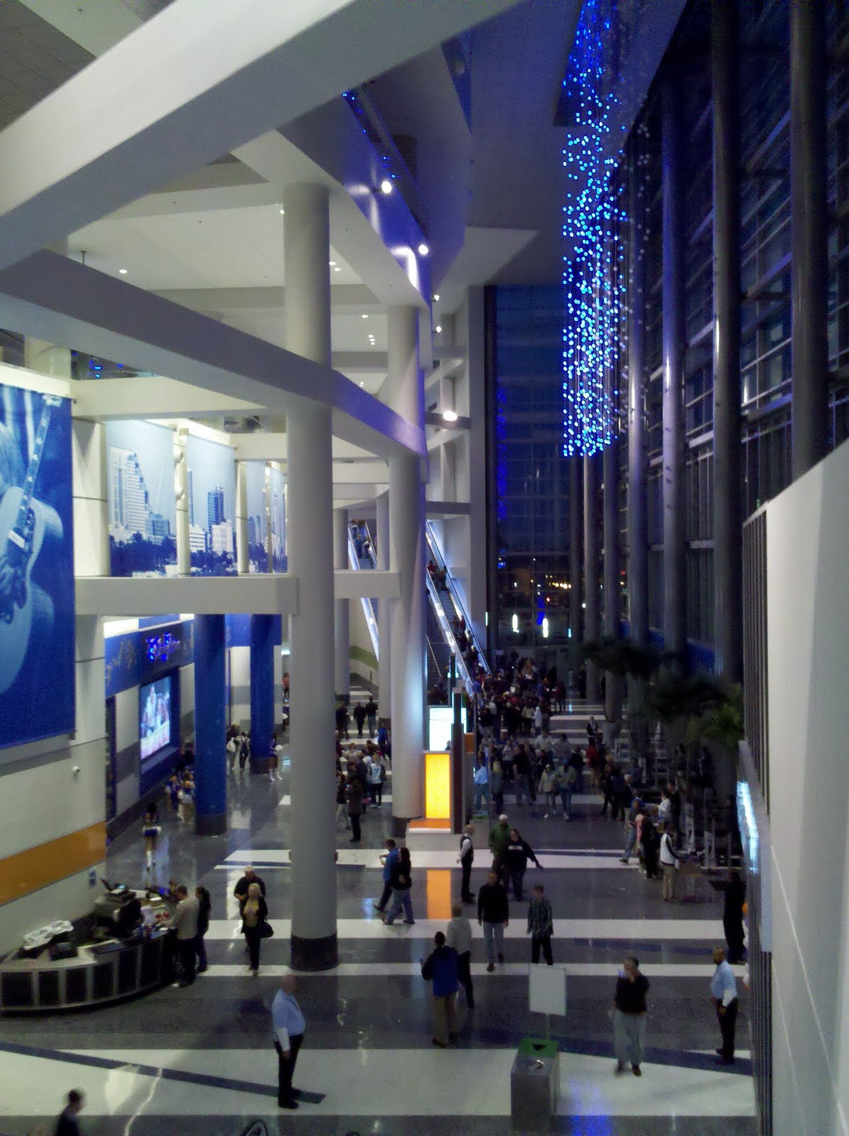 Amway center the new o rena the world of deej for Mercedes benz lounge amway center