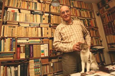 George Pruteanu in biblioteca