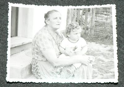 1981 - eu cu bunica mea
