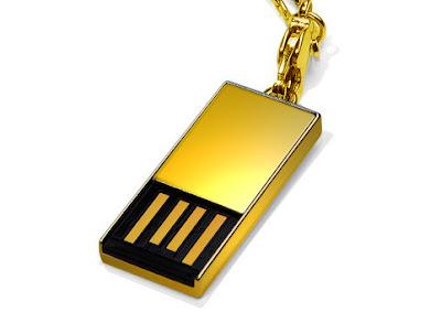 Super Talent USB stick de 8GB din aur de 18 karate