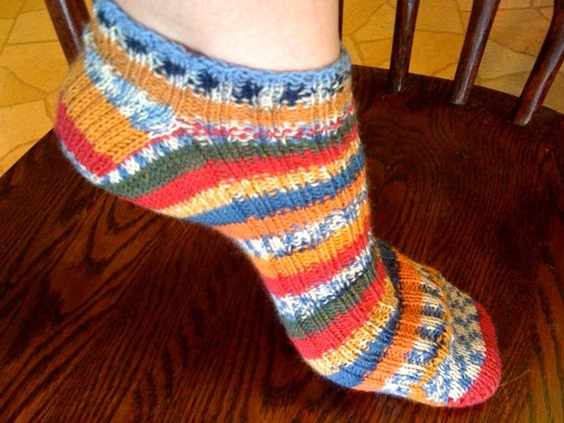 Ankle Sock Knitting Pattern : Lunar Sara: How to Knit Wacky Ankle socks