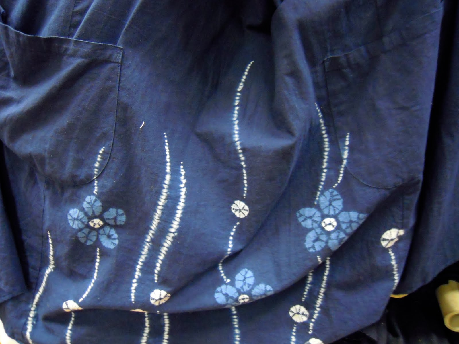 de gilles tissus une passion textile l 39 indigo tr sor. Black Bedroom Furniture Sets. Home Design Ideas