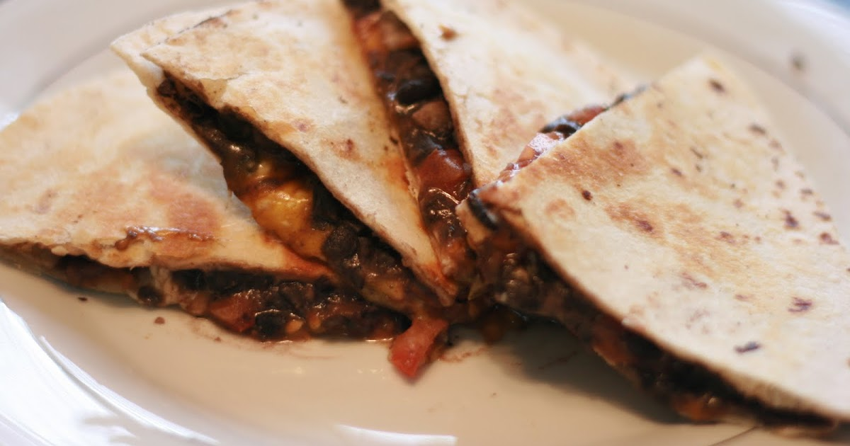 Fabulous Foods!: Black Bean Quesadillas & Black Refried Beans