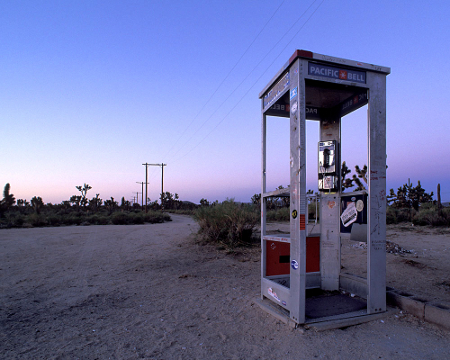 Mojave-Phone-Booth.jpg (450×360)
