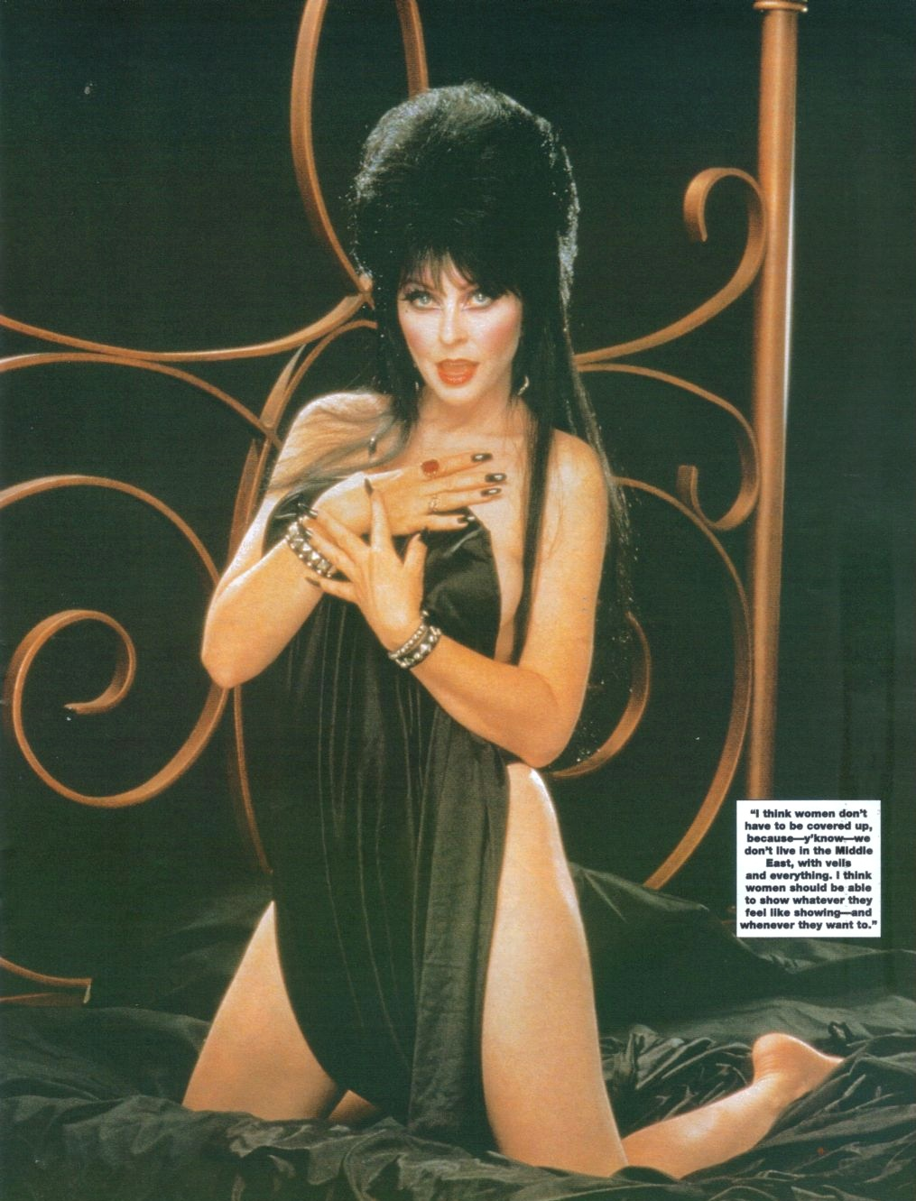 Halloween Countdown 2010 Day 28: Elvira From Femme Fatales 6.7