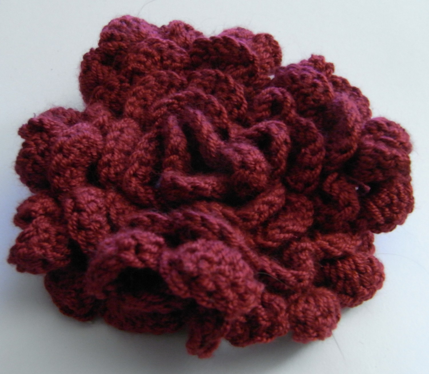 Crocheting Videos : CROCHETED 3D FLOWER PATTERNS - Crochet Club