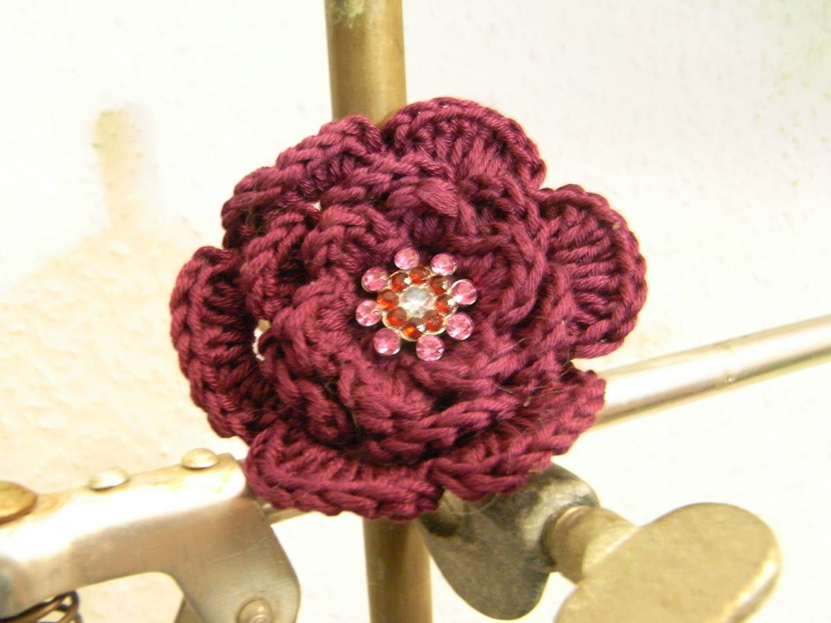 PATTERN – Crocheted Brooch Bouquet Flower Applique — Flower 20