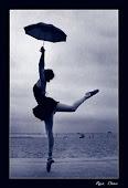 Eu danço em meio a tempestade'