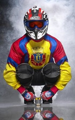 http://2.bp.blogspot.com/_j7YAROahY7k/SR0JdpxwErI/AAAAAAAAAOU/saCXI2y7Hnw/s400/smallest-motorcycle-2.jpg